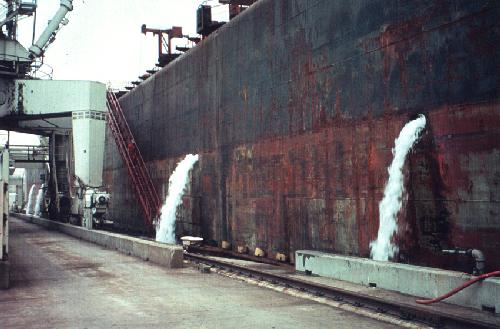 IMAGE:ballastwater discharging from ship.